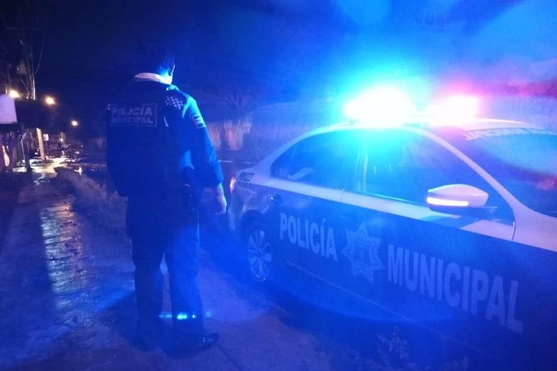 El director de proximidad, Julio César Calderón Vega, informó que se mantiene cerradas algunas calles de la colonia Prados Verdes, por lo que exhortó a las y los automovilistas atender las indicaciones de la Policía Morelia