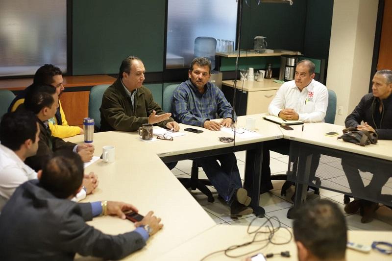 Reyes Cosari en reunión con representantes de cada sector social antes referido adelantó que se llevan muy adelantados los trabajos de los censos realizados a las familias que ocupan la ayuda
