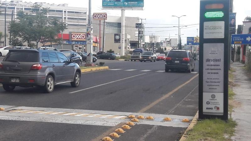 Así lo señaló Ricardo González de Cosío, creador del reductor de velocidad inteligente quien en conjunto con Juan Carlos Ortiz, se dieron a la tarea de ponerlo en funcionamiento sobre la importante avenida con la firme convicción de generar una cultura vial