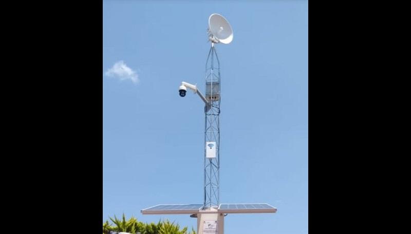 Se trata del Prototipo de Sistema IS Wifi Solar Tonaly, que brinda servicios de internet gratuito, información para el visitante a través de una pantalla televisiva y se alimenta con energía solar