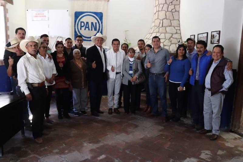 Òscar Escobar inició la campaña rumbo a la dirigencia estatal del PAN escuchando a los militantes y liderazgos