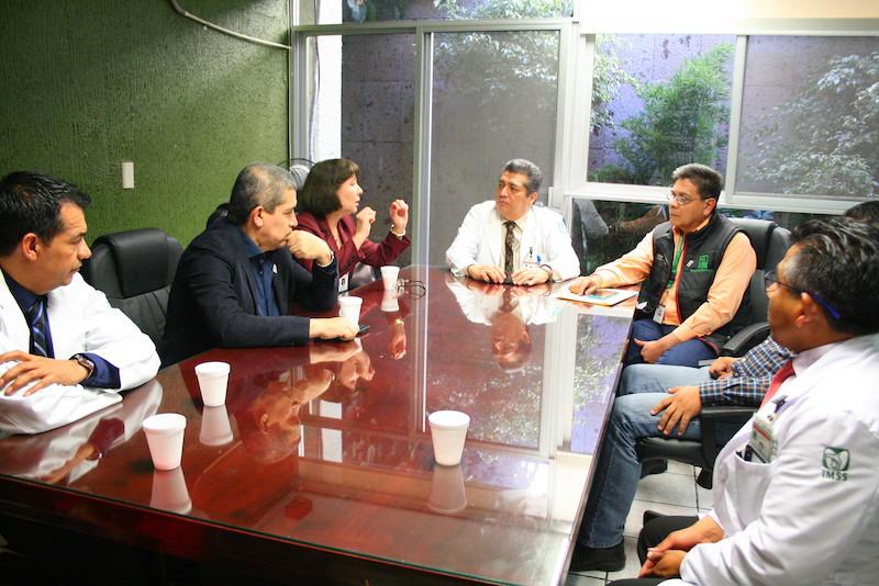 Se trabaja ya en la diffusion de la oferta de trabajo, por parte del IMSS en Michoacán, para la contratación inmediata de cualquier oncólogo médico que desee ocupar la plaza en Zamora, Michoacán, con tan solo el requisito de título y cédula profesional