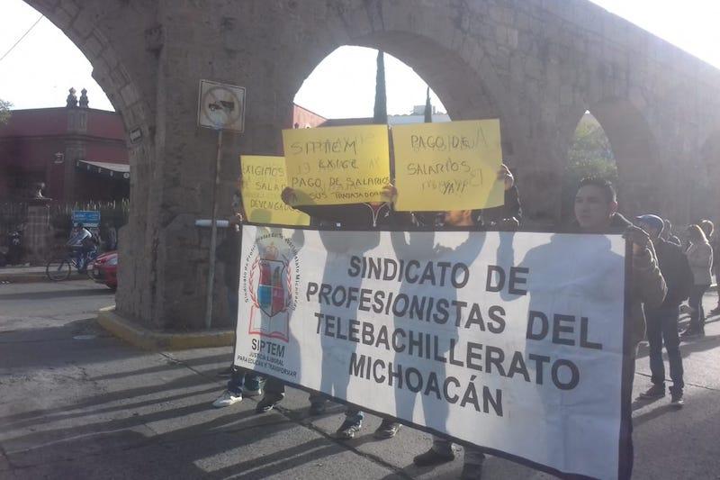 Los manifestantes exigen el pago de la primera quincena de noviembre, pagos atrasados de prestaciones y garantizar sus ingresos de fin de año
