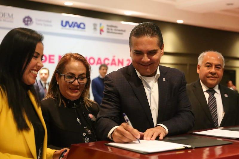 12 instituciones privadas se suman al programa para otorgar mil 132 becas, por un monto de 20 millones de pesos, recurso de la IP