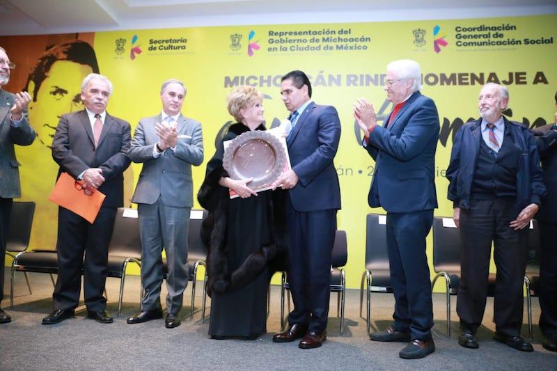 Al dar la bienvenida a familiares y amigos de Julio en Michoacán, el titular del Ejecutivo Estatal llamó a todos y todas a no dejar obras como la del gran histrión en el olvido