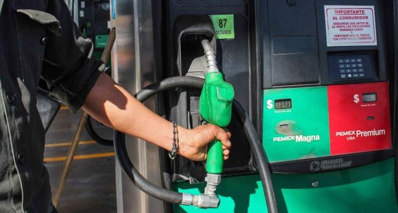 Morelia y varios municipios, con desabasto de gasolina.