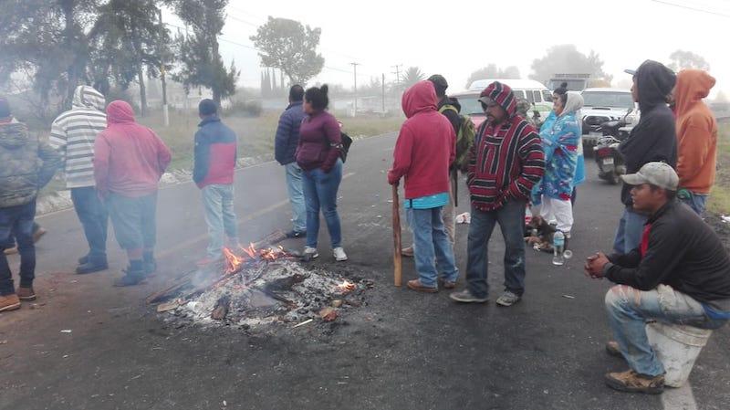 El operativo se realizó el día lunes en la cabecera municipal donde elementos de la Policía Michoacán apoyados por grúas realizaron un operativo para retirar e infraccionar a motociclistas