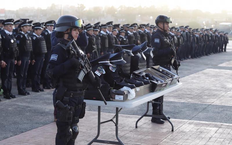 Suárez Bucio indicó que cerca de 8.5 millones de pesos se invirtieron para la adquisición de los uniformes y equipo táctico, al destacar que al realizarse mediante licitación pública se generaron economías por  1.8 millones de pesos