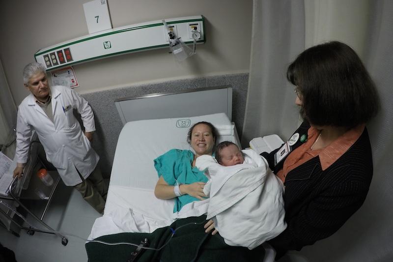 Por su parte, el ginecólogo Antonio Arreola Rico, encargado del área de ginecología del HGR No. 1 turno matutino, dio a conocer que aproximadamente nacen unos 16 infantes diariamente, es decir, unos 480 mensuales en dicho hospital