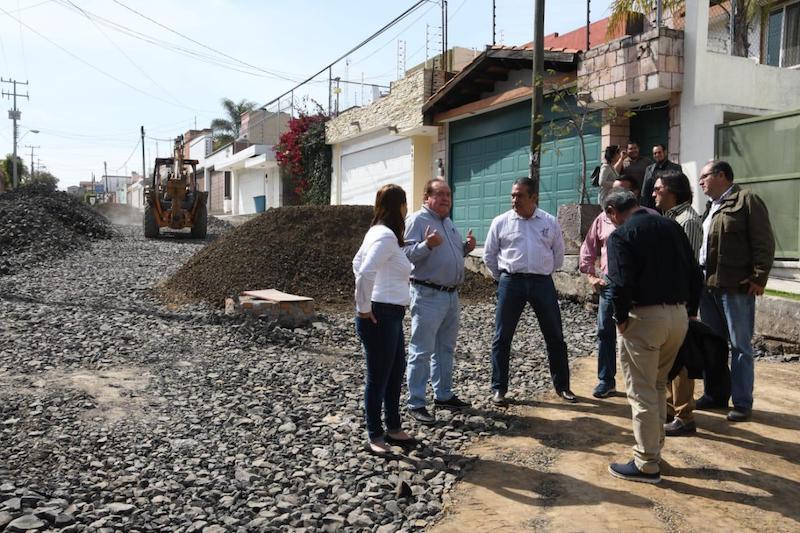 Morón Orozco acudió al arranque de los trabajos de pavimentación, rehabilitación de drenaje y agua potable en la vialidad 2 de Lomas de la Aldea