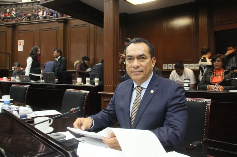 López Solís recordó que el marco normativo nacional no permite en estos momentos la operación de la Guardia Nacional, por lo que realizar tareas operativas como lo es el reclutamiento de personal, infringe de entrada la Constitución General de la República