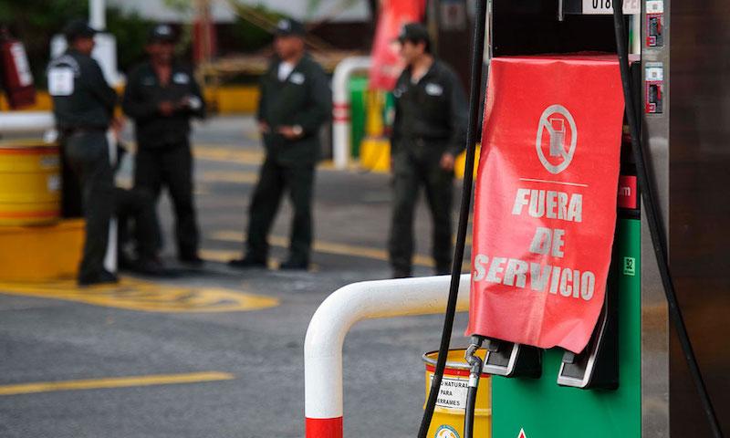 Pablo González también mencionó que Pemex no está cumpliendo con el abasto que prometió, específicamente en Jalisco, donde aseguró que este miércoles estaría mandando 94 mil barriles por pipas, de los cuales solamente llegaron 45 mil