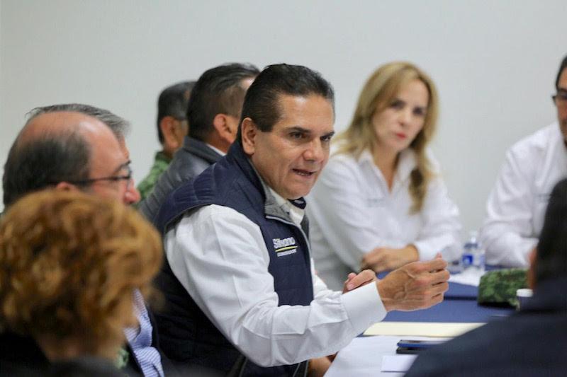 Se deben fortalecer los cuerpos de seguridad estatales y municipales, recalca Aureoles Conejo