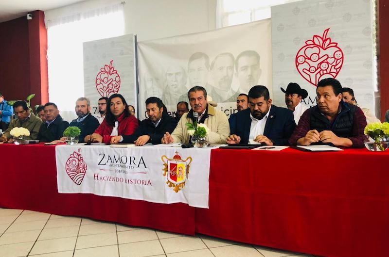 Morón Orozco compartió la estrategia que se implementa en la ciudad, la cual quedará completamente iluminada en un par de años con una inversión de 200 millones de pesos