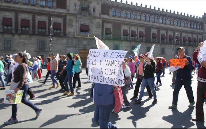 """La activista Julia Klug dijo que la marcha fue convocada a través de redes sociales como Facebook y WhatsApp, con la finalidad de """"decirle al pueblo de México que nos unamos para sacar adelante al país"""""""