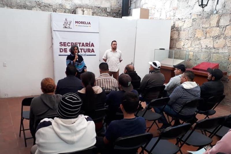 Cardiela Amezcua Luna, secretaria de Cultura Municipal, acordó distintas acciones de colaboración con los representantes de distintas colonias