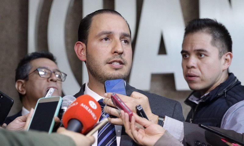 Principales problemas: desabasto de gasolina, cierre de vías de ferrocarril, huelgas y baja de calificación a Pemex: Cortés Mendoza