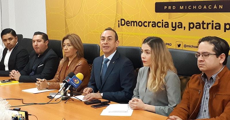 Para el líder perredista, es preocupante para los líderes magisteriales como Víctor Manuel Zavala que ya ni su gente en las 22 regiones del estado le haga caso