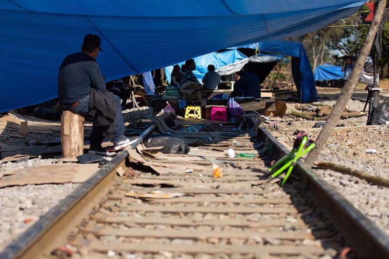 La CNTE anunció que serían retirados todos los bloqueos a las vías del tren en Michoacán para cumplir con la exigencia que les hizo el gobierno estatal antes de continuar la mesa de diálogo
