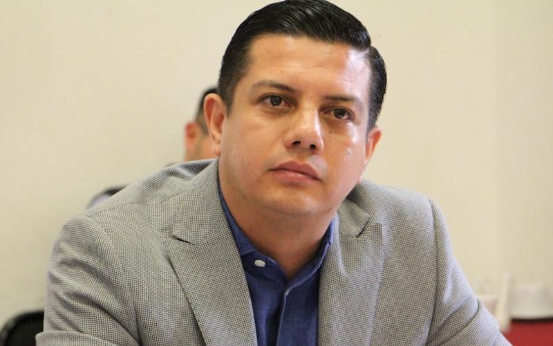 Esta iniciativa en el fondo propone que el gobierno federal continúe en elecciones permanentes y elimina la equidad en la contienda: Óscar Escobar Ledesma