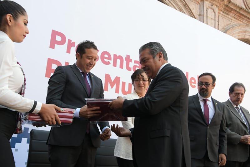 La Transformación de Morelia está en marcha, comentó Morón Orozco; señaló que en el documento se recogieron las aspiraciones y demandas de los ciudadanos