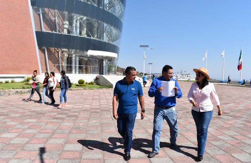 Avanza la construcción del Centro de Idiomas, obra iniciada desde el 2012; visitan escuelas del municipio de Sahuayo para detectar necesidades en infraestructura educativa
