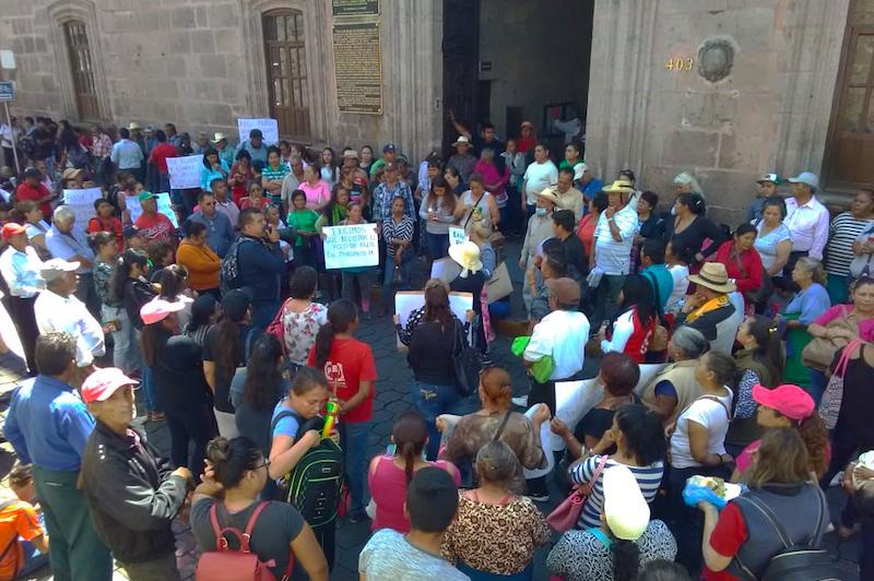 """Se hacen de oídos sordos, por eso exigimos al presidente municipal Raúl Morón que nos atienda personalmente, mientras tanto, no dejaremos de luchar por los que menos tienen"""", declaró Rodolfo Lemus"""