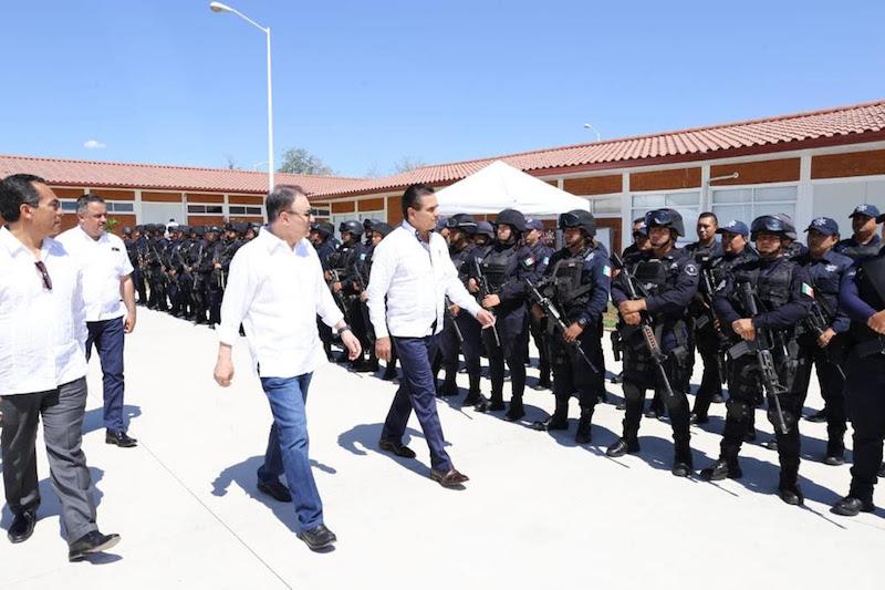 Conoce Alfonso Durazo operación del Centro Integral de Servicios de Apatzingán