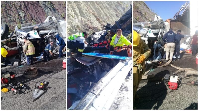Entre los tráileres dos terminaron volcados y otro con la caja desecha, mientras que el vehículo particular terminó a un lado de la carretera