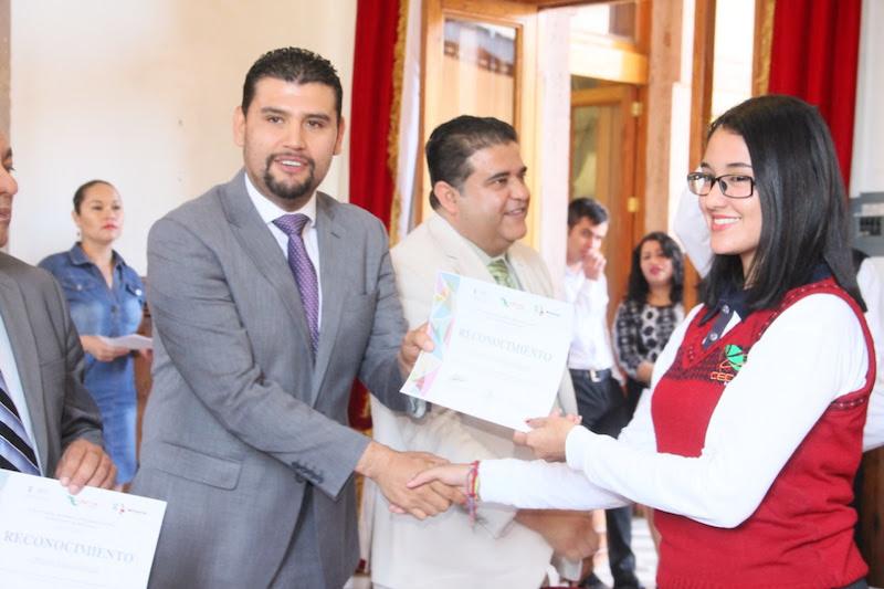Octavio Ocampo, resaltó el trabajo de la directiva de este Colegio, que, en siete meses, a través de un plan integral ha impulsado a que los escolapios participen en distintas disciplinas, logrando triunfos importantes