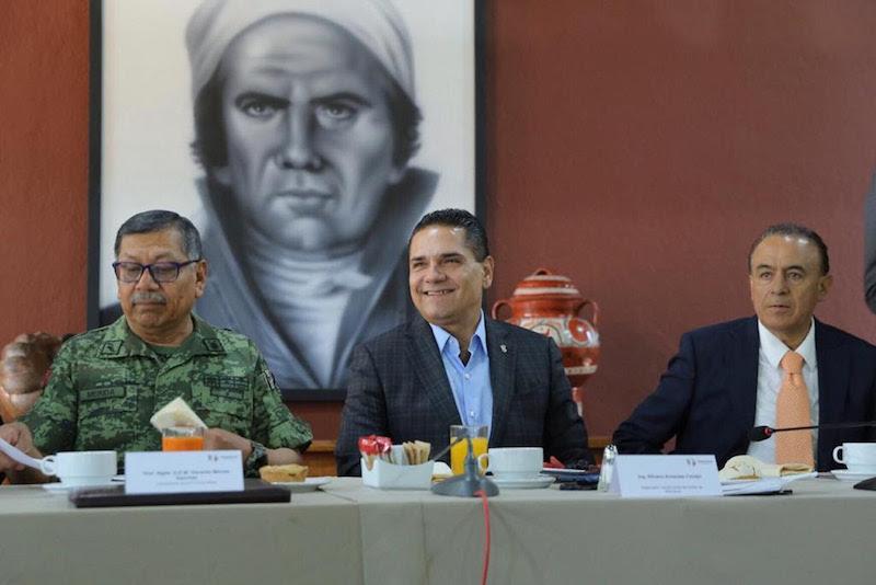 El gobernador de Michoacán encabezó la reunión de la Mesa de Coordinación Estatal para la Construcción de la Paz