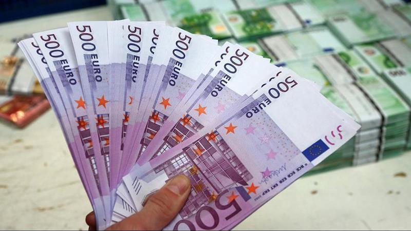 La dependencia indicó que es la primera vez que el Gobierno federal emite un bono a 20 años en el mercado de euros
