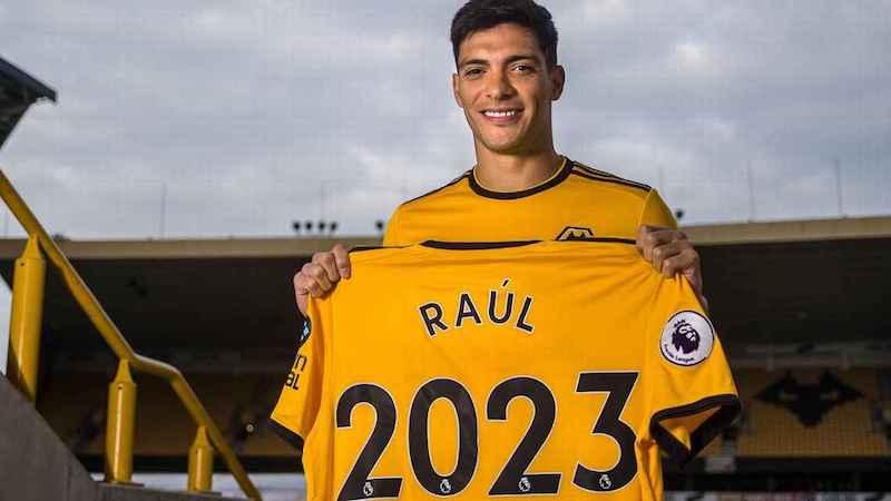De acuerdo con medios ingleses, la cifra de la transferencia de Raúl Jiménez rondó los 38 millones de euros; es decir, 42.6 millones de dólares, para ser la más cara en la historia del Wolverhampton