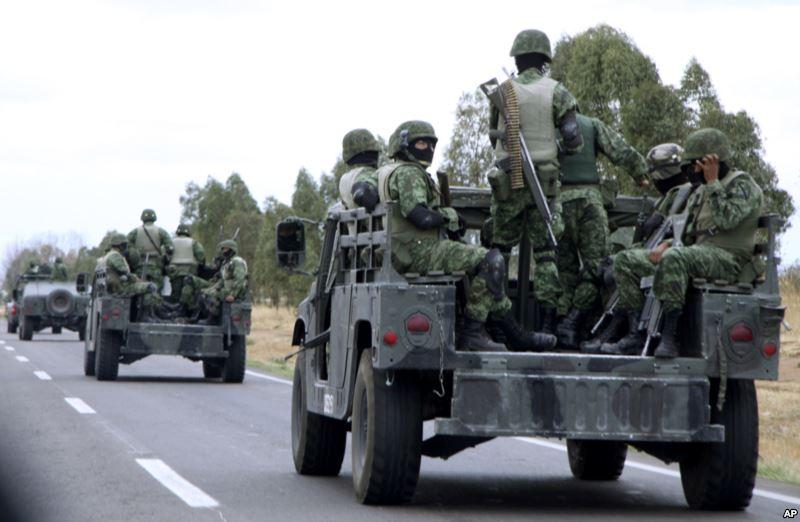 De acuerdo con comunicado enviado por la diputada Selene Vázquez, los alcaldes de ambos municipios se oponen al desarme de la población, pues quedarían a merced de delincuentes