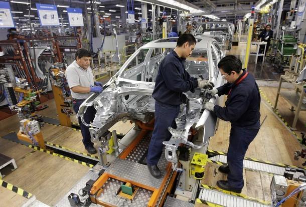 Autos ligeros producidos en México contaminarán menos