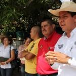 En gira de trabajo por Villa Madero, el diputado federal del PRD anunció que en breve comenzará la obra que gestionó por 6 mdp en beneficio de 25 comunidades