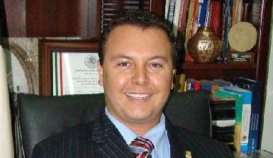 Diego Leal es politólogo por el Tec de Monterrey; Maestro en Gobierno y Asuntos Públicos; y obtuvo en Madrid España, el Máster en Comunicación Política e Institucional