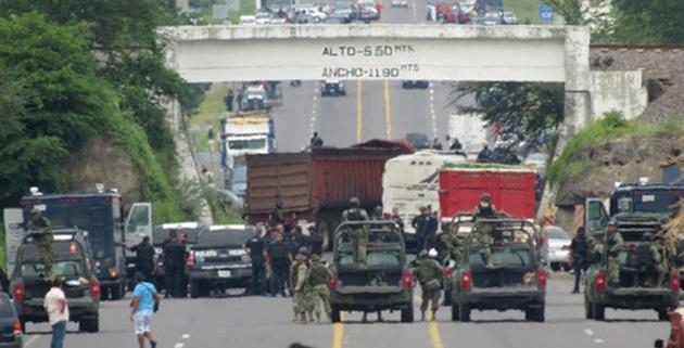 Los manifestantes podrían ser transportistas, pero hasta el momento se desconocen sus motivos y sus demandas; se recomienda tomar precauciones