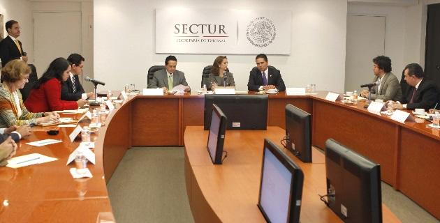 Son necesarios los acercamientos entre las autoridades federales y los hoteleros y restauranteros de Michoacán, había señalado previamente Aureoles Conejo
