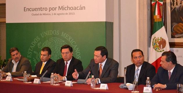 Además del gobernador Jesús Reya, al encuentro en la ciudad de México acudieron legisladores, líderes de partidos y empresarios michoacanos