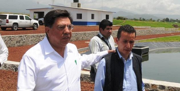 Este jueves Reyna García tuvo muchas oportunidades de intercambiar impresiones con el alcalde de Los Reyes, José Antonio Salas