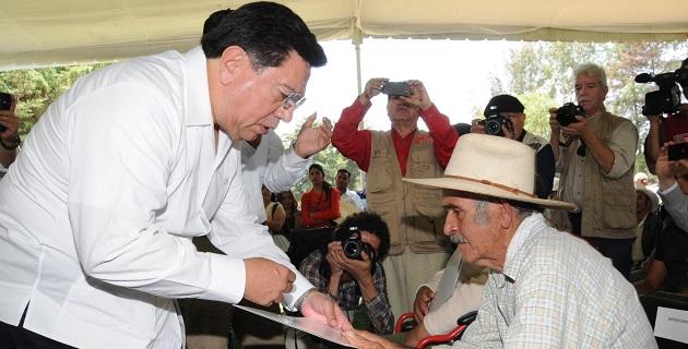 La seguridad sobre la tenencia de la tierra, lo cual repercute en lograr un Michoacán de prosperidad, desarrollo, oportunidades de empleo y mayor tranquilidad, dijo el mandatario estatal