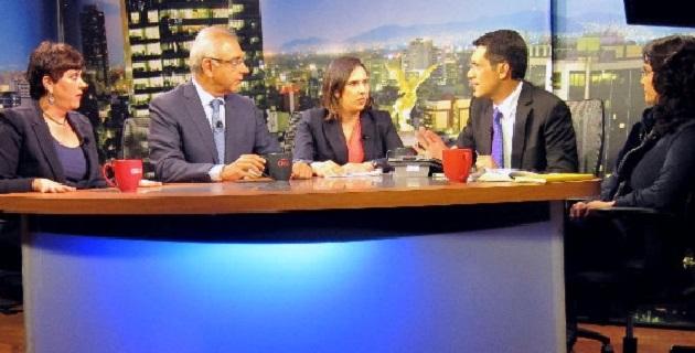 El senador panista de Michoacán participó en un debate con la senadora perredista Dolores Padierna, así como con analistas
