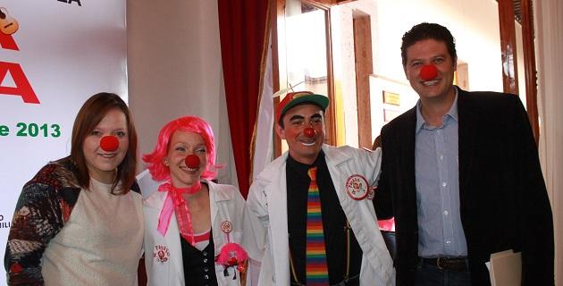 Legisladores del blanquiazul ofrecieron una rueda de prensa en compañía de los integrantes de la organización Doctor Payaso, A.C.