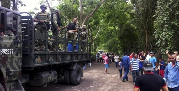 Aunque no se reveló lo platicado en Tepalcatepec, se presume que los líderes de autodefensas exigieron la liberación de los detenidos en Aquila