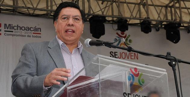 El gobierno de la entidad está comprometido en mejorar la seguridad y la calidad de vida de todos los michoacanos, afirmó el mandatario estatal