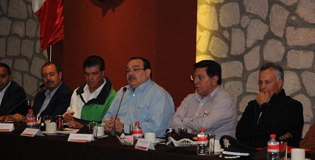 El enlace del gobierno de la República con Michoacán, dijo que el compromiso del presidente de México, Enrique Peña Nieto, es sacar adelante a la entidad