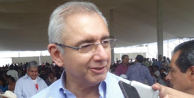 Para el senador panista, es justo que se vigile la aplicación de recursos federales en el estado, como indicó horas antes el diputado perredista Silvano Aureoles