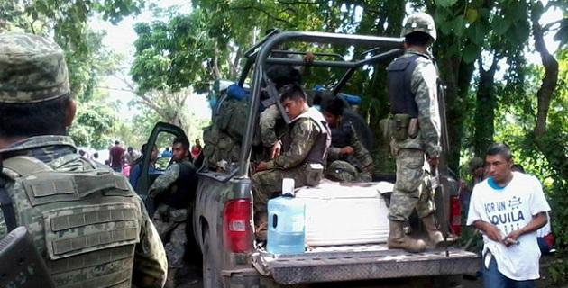 A 19 de los 40 guardias comunitarios detenidos en Aquila se les podría seguir proceso penal en libertad, ya que alcanzaron el derecho a fianza