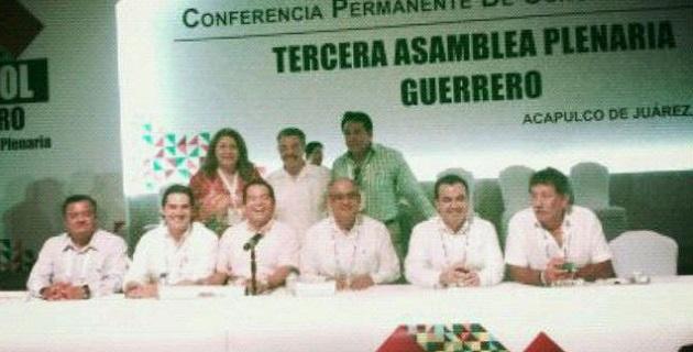 Salvador Galván, líder del PRI en el Congreso michoacano destacó que este tipo de encuentros fortalecen la relación y comunicación que debe existir entre las legislaturas del país
